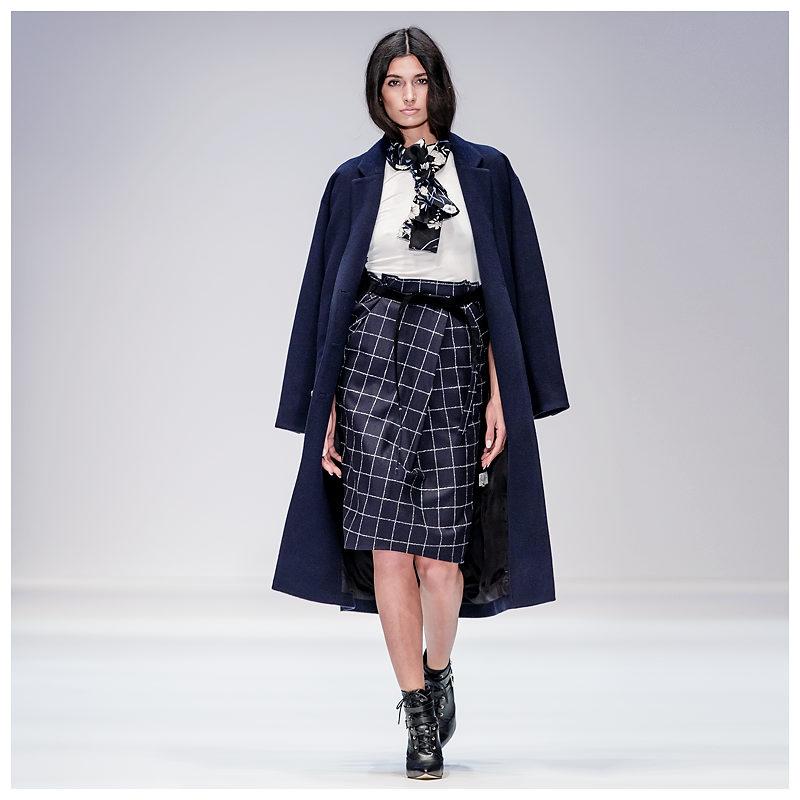 Maisonnoée - Model Petrovic Vicenca für Designer Sophie Oemus